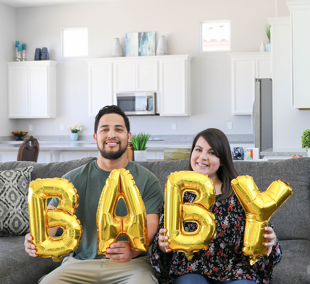 Pregnancy Announcement - Cassandra Ann - Lifestyle Blogger - Cute Baby Announcement