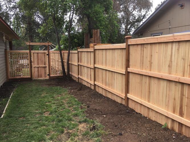 Cedar Wood Grid Entry with Gate
