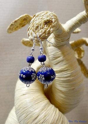 Boucles d'oreilles aux perles bleues de l'Inde