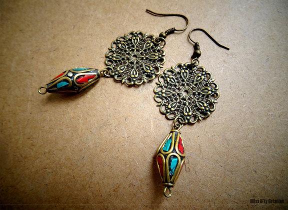 Boucles d'oreilles Arabesques & Perles du Népal