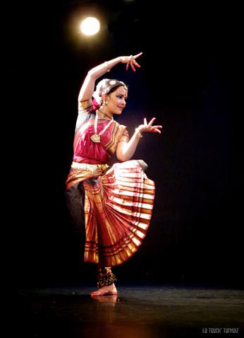 "Récital de Bharata Natyam by Anusha Cherer au Centre Mandapa "" Shiva Shakti """