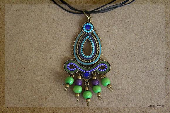 Collier ras de cou et pendentif Ethnique & coloré