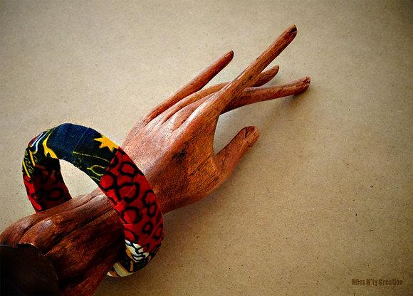 Bracelet tissus wax africain aux tons bleu, rouge