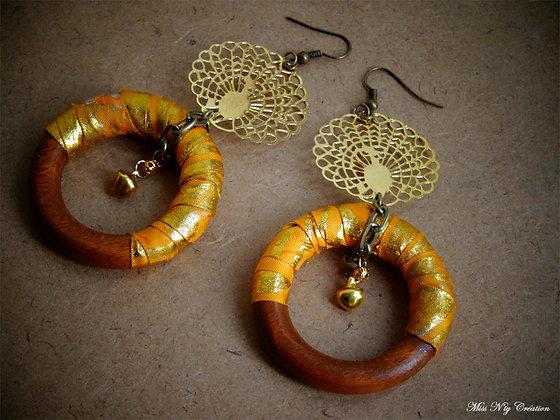 Boucles d'oreilles Créoles en Tissus de Bali, Paon