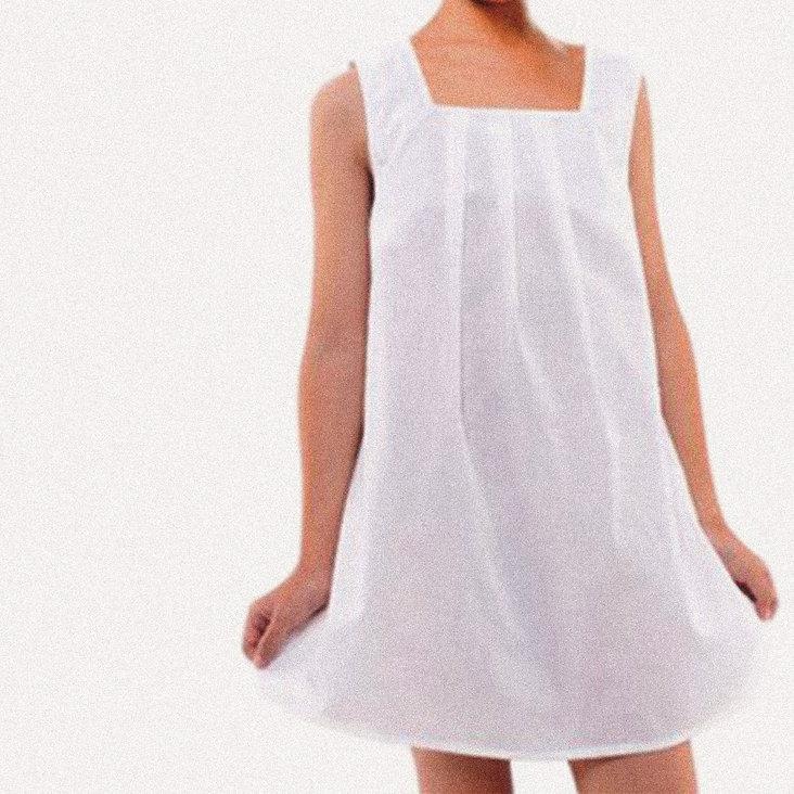 White JM Shop Girl Falf grid noise.jpg
