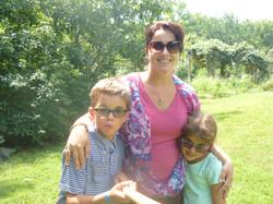 Adriana & children