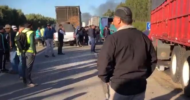 TRES MUERTOS EN ACCIDENTE DE RUTA CINCO: MANIFESTACIÓN IMPIDIÓ PASO DE AMBULANCIAS