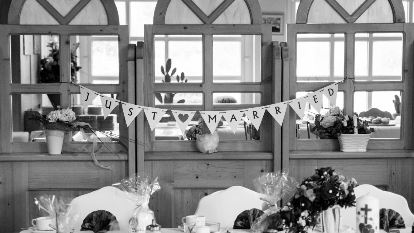 Hochzeit_Zimmer_Feier_A (43 von 136)