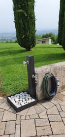 SOLE GRIGIO MICACEO isy fontana doppio rubinetto.jpeg