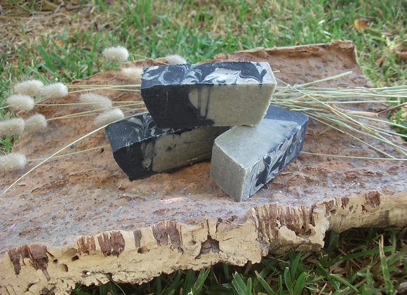 Sabonete Artesanal de Argila Verde e Carvão Vegetal