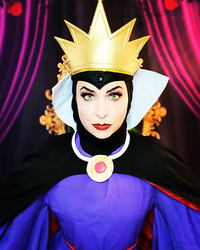 Wicked Queen party character performer for Snow White party, Halloween Party, Disney Villains Party