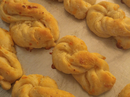 Surprise Recipe--Cheesy Pepper Rolls from Farm Journal