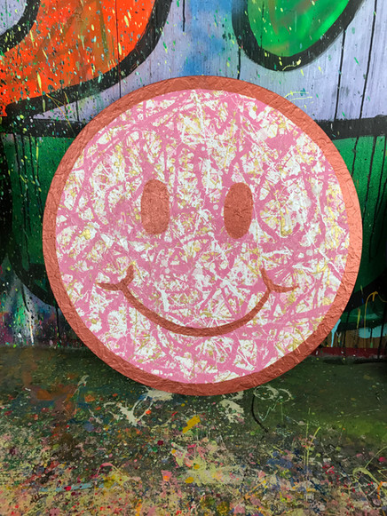 """24"""" Pink Smiley"""