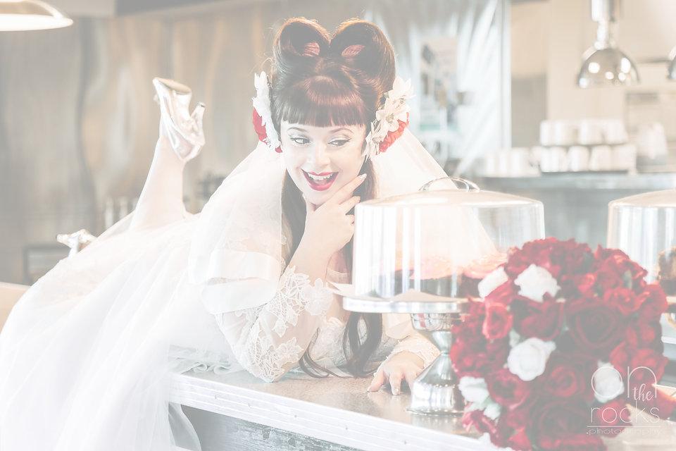 rockabilly-bride-on-50s-diner-counter-ey