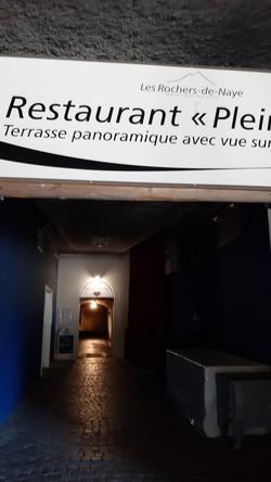 Tunnel zum Restaurant