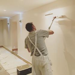 Applying Diamond Eggshell to walls