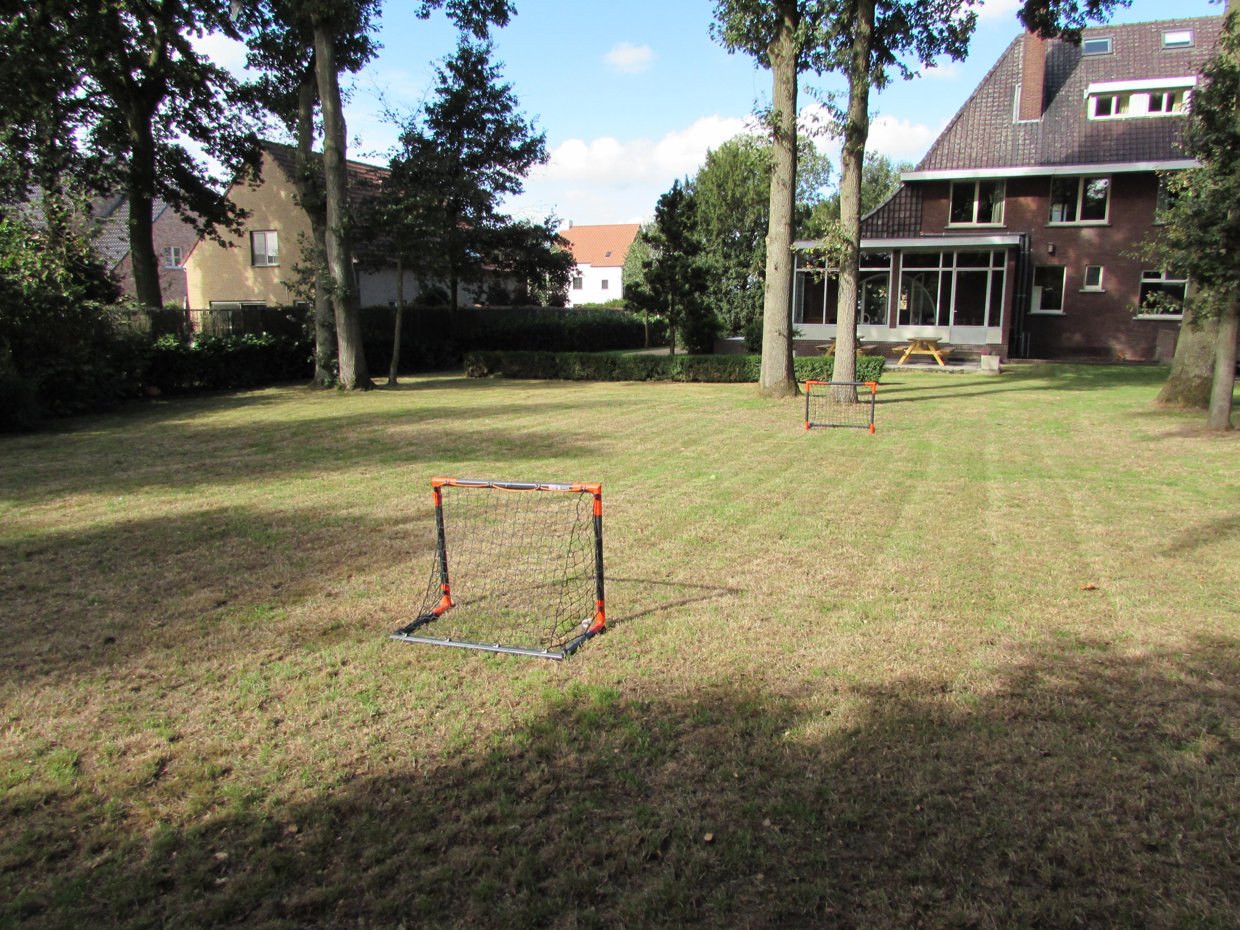 Voetbalveldje in de tuin