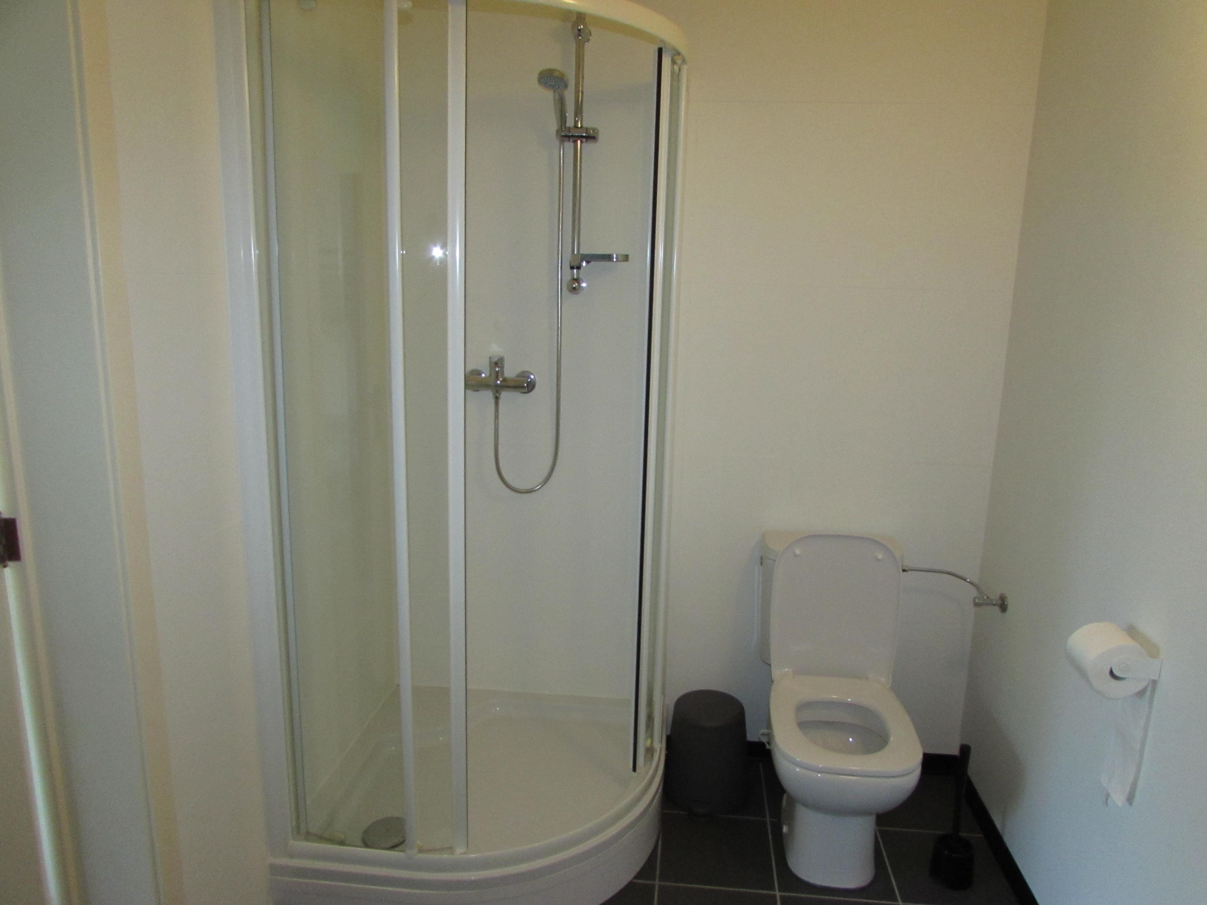 Badkamer op eerste verdieping (2) - kopi