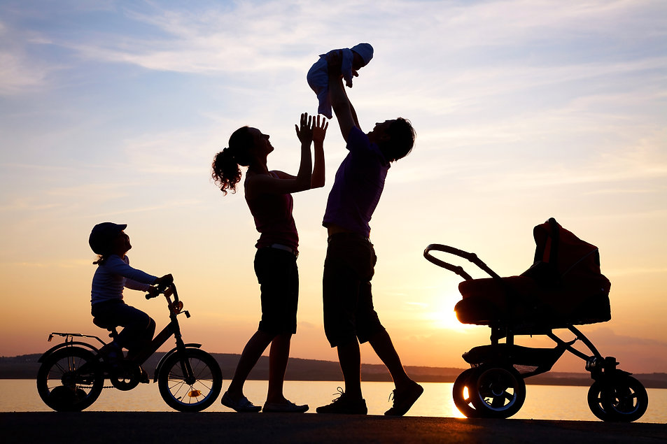 happy-family-silhouette.jpg