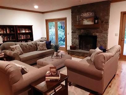 Living-Room-Home-Staging_Rhinebeck_005.jpg