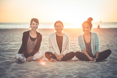 Yoga MOQ 鳥取県倉吉 ロサンゼルス ヨガ インストラクター