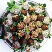 Medium Strawberry Tray!! 9012448768 plac