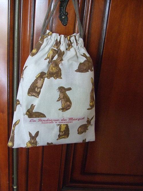 Cadeaux naissance-original-bavoir-lingettes- motif lapin