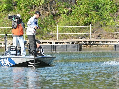 Major League Fishing: Hits big TV, CBS
