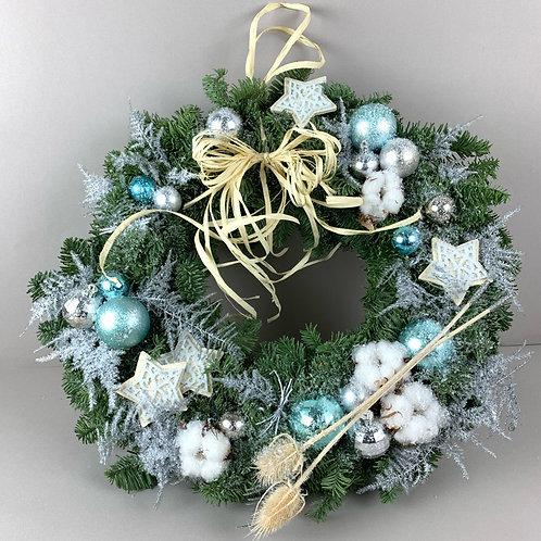 Рождественский венок «Голубые метели»
