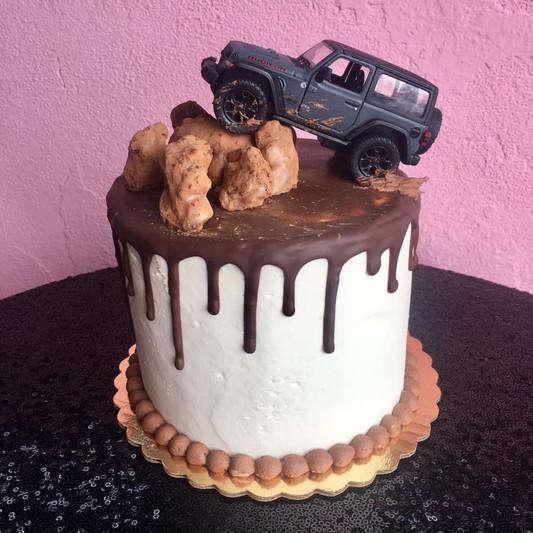 jeep cake.jpg