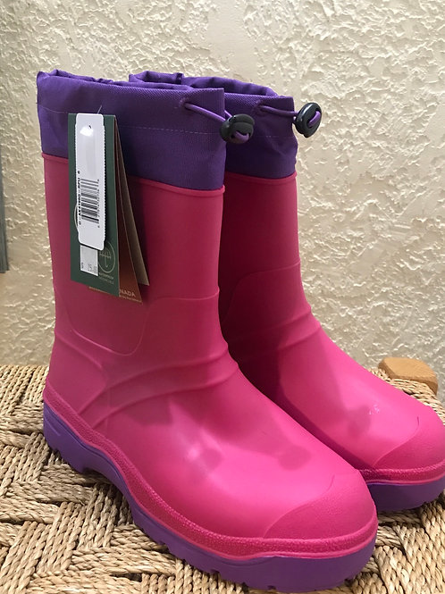 Size 6 NEW Kamik boots