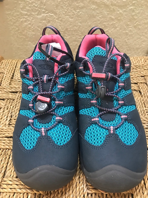Size 5 Youth NEW Keen shoes