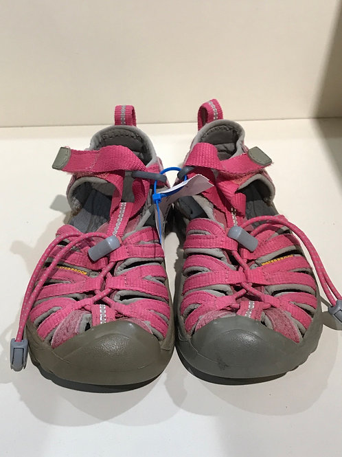 Size 10 dark pink Keen shoes