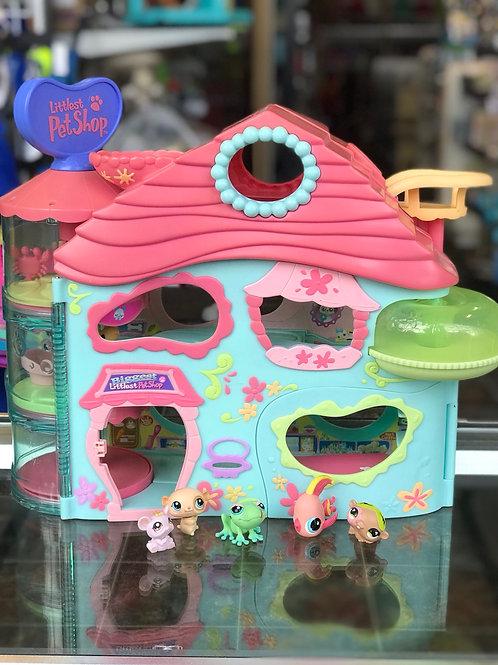 Biggest Littlest Pet Shop w/5 pets