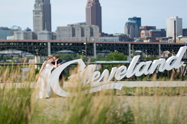 cleveland sign wedding photos