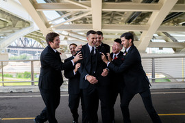 groomsmen photo inspiration