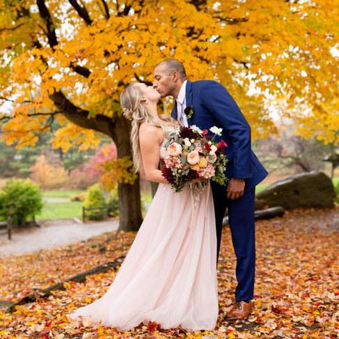 The Most Perfect Fall Wedding at Patterson Fruit Farms in Chesterland Ohio