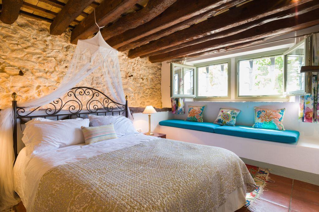 Cardona Bedroom.jpg