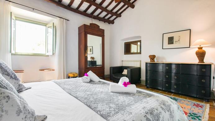 Poblet Bedroom.jpg