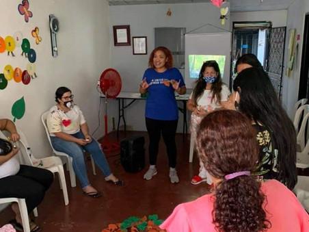 """Taller """"Mujeres Construyendo Comunidad"""""""