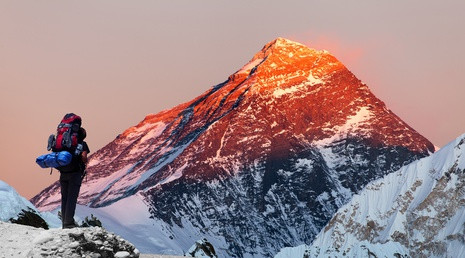 gravir le mont everest, gravir une montagne comment faire pour traverser les obstacles franchir les blocages et traverser les murs les blocages de la vie