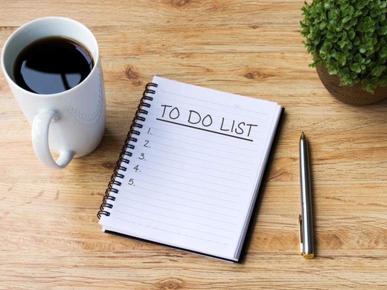 to do list, organisation, cahier de note, café, prendre des notes, comment bien s'organiser au travail, au quotidien, motivation, rangement, mental, tâches, augmenter sa productivité, gérer son quotidien, ranger son appartement