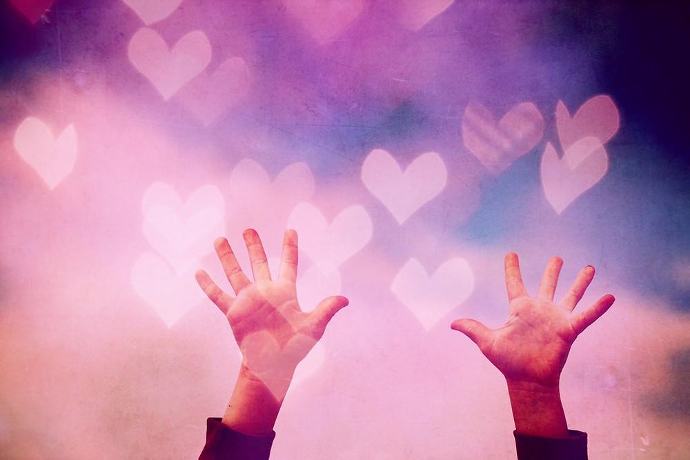 amour bienveillance conscience moment présent pleine conscience partage joie bonheur solution good vibes positivité positive attitude psychologie positive thérapie comportementale et cognitive sophrologie médecine douce techniques alternatives pour aller mieux gérer son temps