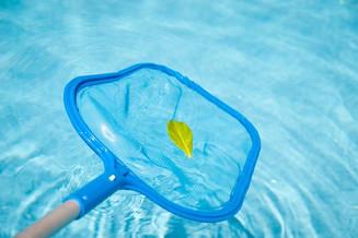 Manutenzione e pulizia della piscina