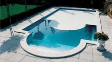 Coprire la piscina in inverno o in estate