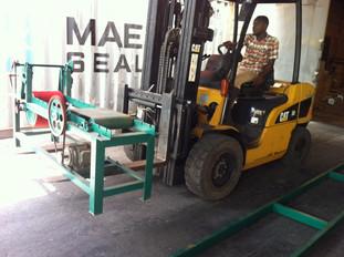 Machine aangekomen in haven van Mombassa