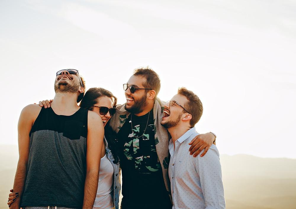 Libération d'ocytocine lors de contacts physiques entre amis