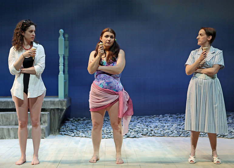 Barrie Kreinik (Fiona), Zoe Watkins (Vari), Aedin Moloney (Morag) in When I was a Girl I used to Scream and Shout by Sharman Macdonald - Fallen Angel Theatre's 2016 Off Broadway Premiere