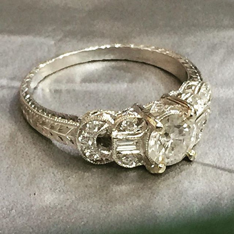 Art Deco inspired engagement ring! #artd