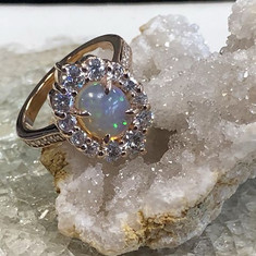 Opals always have a way to brighten the
